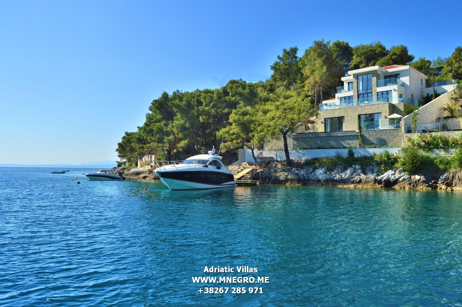 Cro621 croatia adriatic 5 star villa in brac montenegro for 5 star villas