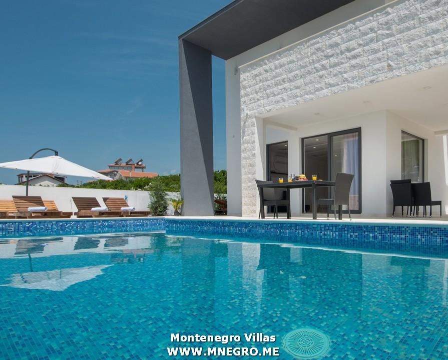 URLAUB-MONTENEGRO-villa_00009