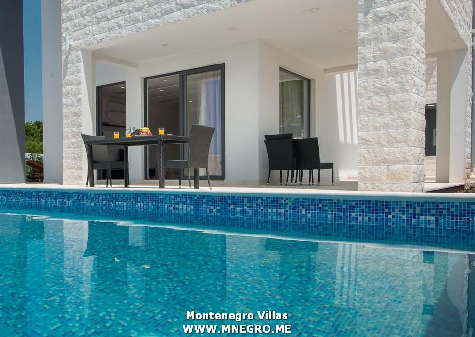 URLAUB-MONTENEGRO-villa_00012